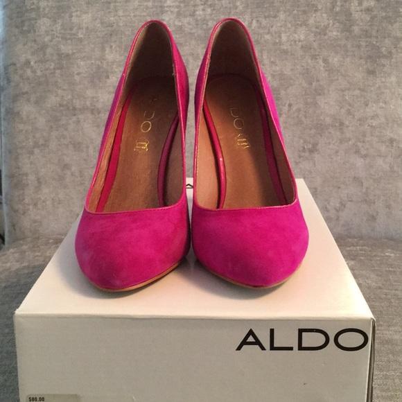 Brand new pink suede pumps
